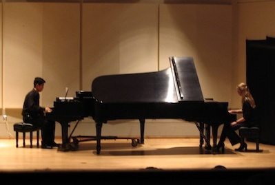 Michael Ferguson and Emily Payne performing <em>Piano Phase</em>
